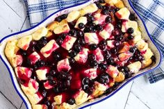 Blueberry Cream Cheese French Toast Casserole – Delicious recipes to cook with family and friends. Breakfast Dishes, Breakfast Casserole, Breakfast Recipes, Breakfast Pie, Mexican Breakfast, Breakfast Sandwiches, Sweet Breakfast, Vegan Breakfast, Croissants
