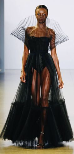 Discover recipes, home ideas, style inspiration and other ideas to try. Style Haute Couture, Couture Fashion, Runway Fashion, Fashion Week, Fashion Show, Fashion Design, Fashion Trends, Black Women Fashion, High Fashion