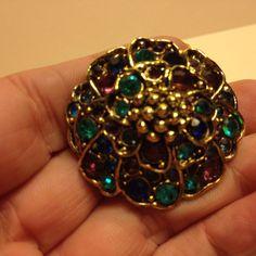 Vintage Signed HOLLYCRAFT Rhinestone FLOWER BROOCH Pin Gold Tone Costume Jewelry #Hollycraft