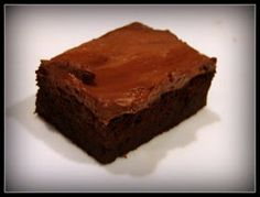 Pretty and Polished: Slimming World Brownies Slimming World Brownies, Slimming World Cake, Slimming World Desserts, Slimming World Recipes, Yummy Treats, Sweet Treats, Yummy Food, Low Syn Treats, Slimming World Puddings