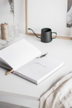 5 Ways To Create a Mindful, Minimalist Work Space — Interior Stylist, Office Interior Design, Office Interiors, Minimalist Lifestyle, Minimalist Decor, Photografy Art, Camera Painting, Best Office, Tiny Office