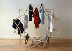 Star-shaped clothes horse by Aaron Dunkerton | MdA · MADERA DE ARQUITECTO