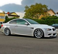 In a brief time period, the car is now the most favorite option of everyone. Bmw M3 E90, Bmw Wallpapers, Bmw 6 Series, Classy Cars, Top Cars, Car Engine, Amazing Cars, Custom Cars, Cars And Motorcycles
