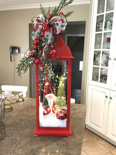 DIY Lighted Christmas Lantern Christmas Urns, Snowman Christmas Decorations, Christmas Lanterns, Christmas Ornaments To Make, 1st Christmas, Christmas Snowman, Holiday Crafts, Holiday Decor, Xmas Wreaths