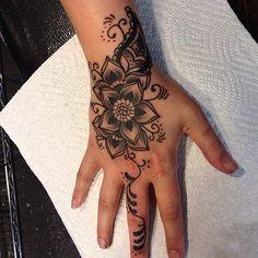 Girly Hand Tattoos, Girly Sleeve Tattoo, Mandala Hand Tattoos, Henna Tattoo Hand, Small Forearm Tattoos, Bff Tattoos, Dope Tattoos, Henna Tattoo Designs, Pretty Tattoos