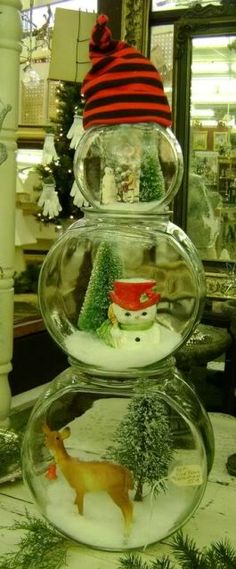 Here's a great craft idea for the kids! Get different size fish bowls and make Christmas scenes inside and then stack to make look like a snowman. Christmas Scenes, Noel Christmas, Primitive Christmas, All Things Christmas, Winter Christmas, Christmas Ornaments, Nautical Christmas, Christmas Wedding, Christmas Projects