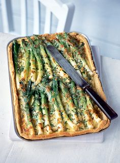 Try these leek recipes including creamy leek gratin, leek and blue cheese baked risotto or leek and chorizo puff pastry tart. Leek Recipes, Tart Recipes, Veggie Recipes, Cooking Recipes, Savoury Recipes, Veggie Dishes, Cooking Ideas, Quiches, Tasty Vegetarian Recipes