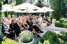 umbrella-ceremony-decor-ideas-outdoor-wedding