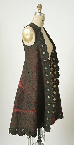 This sleeveless coat from Shkodër (Scutari) on the Albanian-Montenegrin border demonstrates a remarkable degree of craftsmanship in its lavish use of gold cord, variety of curvilinear shapes, and use of negative space Vintage Dresses, Vintage Outfits, Vintage Fashion, Fashion History, Fashion Art, Fashion Design, Empire Ottoman, Silk Coat, Textiles