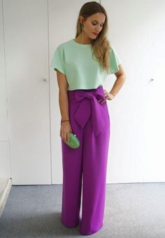 I ♡♡♡♡these purple pants! Modest Fashion, Hijab Fashion, Love Fashion, Fashion Outfits, Womens Fashion, Color Blocking Outfits, Classy Outfits, Cool Outfits, Casual Outfits