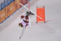 Mikaël Kingsbury a remporté une deuxième médaille d'argent en deux jours, à Tazawako, afin de s'assurer d'un globe de cristal,... Afin, Skiing, Globe, Canada, Outdoor Decor, Crystal, Bump, World Cup, Money