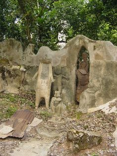 Mystery Of Osun-Osogbo Sacred Grove And Remarkable Ancient Alien-Looking Figures - MessageToEagle.com