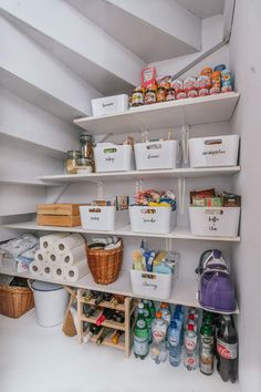 50 Trendy Kitchen Organization Ideas Tips Organisation Home Organisation, Kitchen Organization, Kitchen Storage, Kitchen Decor, Organization Ideas, Pantry Storage, Storage Room, Diy Storage, Storage Ideas