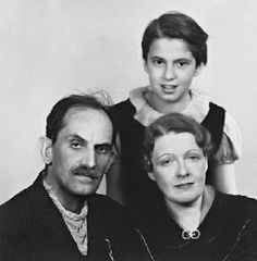 Babits család Crop Circles, Big Love, Hungary, Writers, Actors & Actresses, Literature, Poems, Paradise, Retro