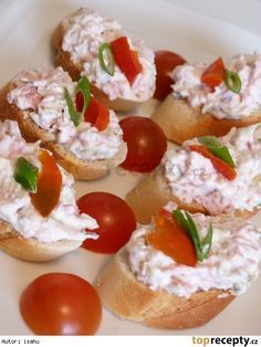 Hradecká pomazánka/ pom. máslo, tvaroh Yummy Appetizers, Appetizer Recipes, Snack Recipes, Cooking Recipes, Healthy Recipes, Czech Recipes, Russian Recipes, Ethnic Recipes, Good Food