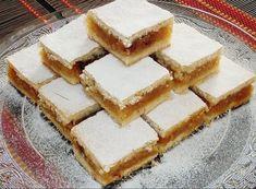 Plăcintă cu mere, nucă şi scorţişoară, reţeta simplă pe care o vei adora Apple Pie Recipes, Fruit Recipes, Baking Recipes, Cookie Recipes, Dessert Recipes, Albanian Recipes, Croatian Recipes, Pie Cake, No Bake Cake