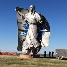Statue of Sacajawea at Interstate 90 Rest Area - Chamberlain, SD. South Dakota Vacation, South Dakota Travel, North Dakota, Places To Travel, Places To Visit, Rv Travel, Pigeon Forge Tennessee, Missouri River, Roadside Attractions