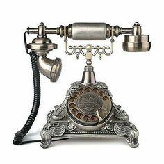 Retro Home Decor, Diy Home Decor, Antique Phone, Smart Tiles, Retro Desk, Vintage Appliances, Vintage Phones, Bronze, Diy Home Crafts