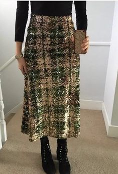 33d2f28412 ZARA LIMITED EDITION GREEN MULTICOLOURED A LINE SEQUINNED SKIRT SIZE M    eBay