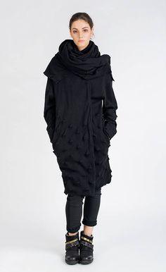 NEW ARRIVALS # Studio B3 Strickmantel Moustel, Strukturstrick 100% Baumwolle. Made in Polen Long Cardigan Coat, Knit Skirt, Black Print, Winter Jackets, High Neck Dress, Knitting, Tops, Skirts, Cotton