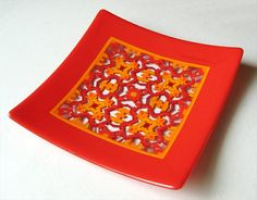 Fused glass pattern bar plate by Dale Keating.