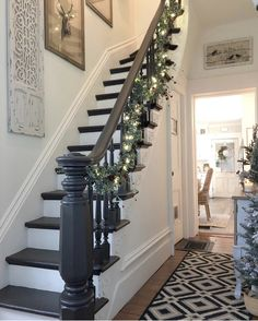 Beautifully Painted Stairs Design To We Love 23 Beautifully Painted Stairs Design To We Love 23 The post Beautifully Painted Stairs Design To We Love 23 appeared first on Home. Staircase Remodel, Staircase Makeover, Refinish Staircase, Black Stairs, Black Painted Stairs, Black Stair Railing, Farmhouse Stairs, Farmhouse Decor, Painted Staircases