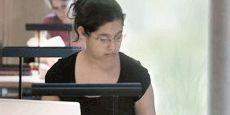 Ein Blick hinter die Kulissen - Der Bibliotheksalltag geschildert aus der Sicht einer Mitarbeiterin: http://www.leuphana.de/bibliothek/ueber-uns/bibliotheksalltag.html.