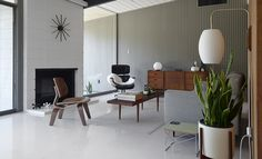 Inside Look: A Restored Eichler On the Modern Side of Mid-Century ...