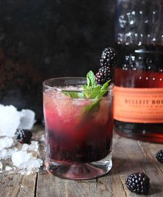 This Blackberry Whiskey Smash topped off with wheat beer is a total game changer!