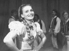 Sága krásy - A ja taka dzivočka. Folk song from eastern Slovakia. Heart Of Europe, Folk Music, My Heritage, My Forever, Eastern Europe, My Favorite Music, Saga, Nostalgia, Film