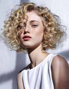 curly haircuts we love! https://tomybsalon.com/