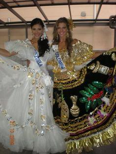 Dayana Colmenares Miss Venezuela Internacional con un Hermoso Traje de Llanera junto a Mis Colombia en el Certamen de Miss International 2008..