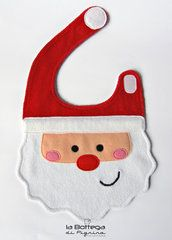 Bavaglino Santa Claus Baby Sewing Projects, Sewing For Kids, Baby Boy Bibs, Baby Toys, Christmas Sewing, Christmas Baby, Outfits Niños, Kids Outfits, Baby Bibs Patterns