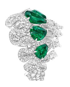Dior Archi Dior Corolle Jour emerald ring in white gold with diamonds, based on an archival sketch of a Dior dress dating from 1947. (=)