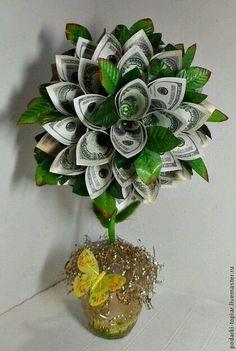 Money Lei, Money Origami, Money Flowers, Paper Flowers, Craft Gifts, Diy Gifts, Money Creation, Money Bouquet, Creative Money Gifts