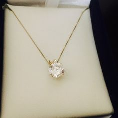 14k gold necklace zirconia ( chain is broken) 14k gold necklace, beautiful necklace Accessories
