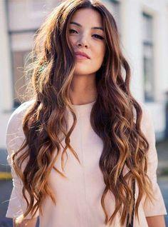 Tagli lunghi capelli primavera estate 2016 - Chioma lunga e mossa