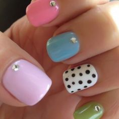Polka Dotty Shellac Nails!!! this is what i want for Christmas,do it yourself, at home nail shellac set.♥