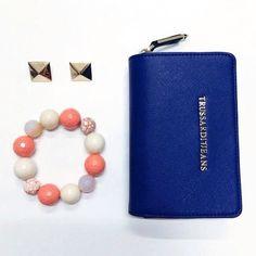 Orecchini Dolman Bracciale Della Rovere Portafogli Trussardi Jeans WhatsApp 329.0010906 #manlioboutique #earrings #bracelets #jewelry #wallets #accessories #style #fashion