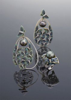 """Ilgiz F's """"Butterflies"""" ring and earrings, with faceted pearls that appear to float freely amongst fluttering butterflies, saw the Russian jeweller secure first place in the 2013 International Jewellery Design Excellence Awards in Hong Kong"""