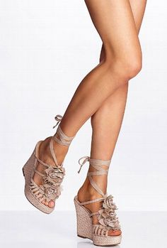flower trim wedge