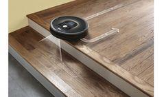 iRobot Roomba 980 si poradí aj s vysávaním schodiska. :) http://eshop.irobot.sk/produkt/irobot-roomba-980