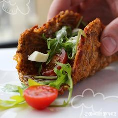 Low Carb Rezept für leckere Low-Carb Wraps mit Gemüse. Wenig Kohlenhydrate und einfach zum Nachkochen. Super für Diät/zum Abnehmen. Jetzt ansehen!