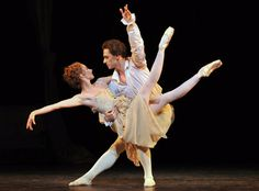 Sergei Polunin and Lauren Cuthbertson in Manon