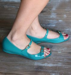 GUSTITO :: SANDALS :: CHIE MIHARA SHOP ONLINE
