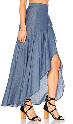 Most techniques to wear a denim mini skirts will depend on your unique style, but this simple chic wardrobe.Top below to get the denim-skirt clothes fashion women are trying this plunge.Shop for Stillwater Wrap Sum Den Skirt in Indigo at REVOLVE. Skirt Outfits, Dress Skirt, New Mode, Dress Sewing Patterns, Mode Style, Diy Clothes, Blouse Designs, Denim Skirt, Designer Dresses