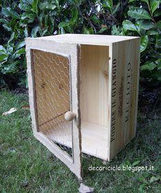 mini-armadietto cassetta di legno by decoriciclo, via Flickr