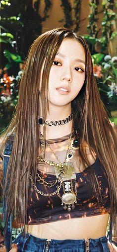 Kpop Girl Groups, Korean Girl Groups, Kpop Girls, Blackpink Jisoo, Melanie Martinez, Billie Eilish, K Pop, Divas, Fashion Wallpaper