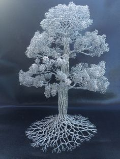 Tree Sculpture CM005 by Clive Maddison, using nothing but wire