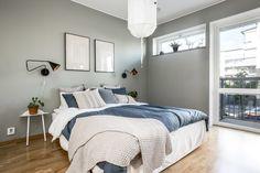 Förslag stil på bäddning Comforters, Blanket, Bed, Furniture, Home Decor, Creature Comforts, Quilts, Decoration Home, Stream Bed